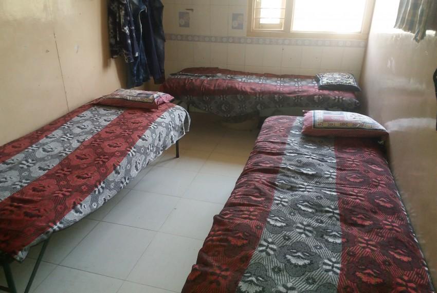 Shree Hari Krushna Hostel.jpg3