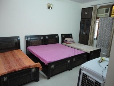 kohli-paying-guest-rajouri-garden-delhi-cig3