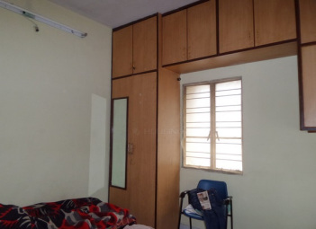 paying-guest-accommodation-for-men-kumar-samruddhi-vishrantwadi-pune-bed-room